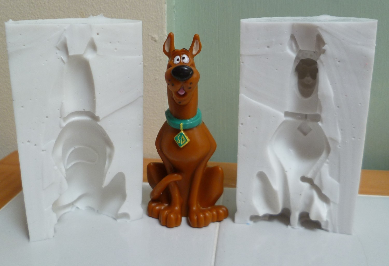 SCOOBY DOO 3D SILICONE MOULD (POURABLE SILICONE)