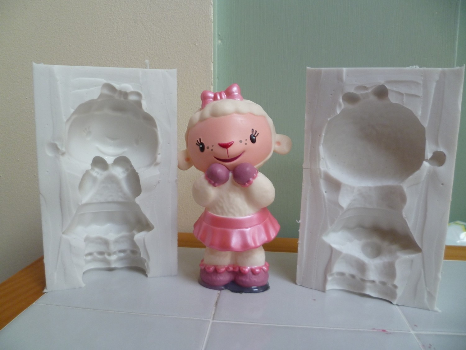 3D DOC MCSTUFFINS SHEEP SILICONE MOULD