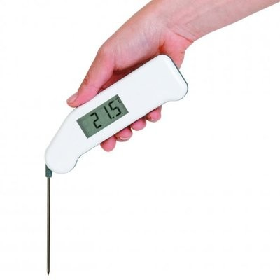 Thermapen Classic thermometer with strong penetration probe
