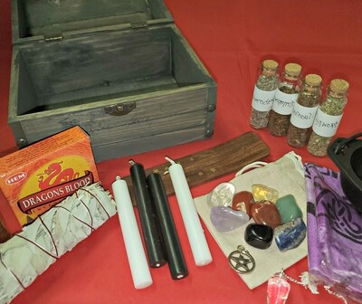 Z - Triquetra Box Witch Travel Alter / Starter Kit with Custom Wood Burned Triple Moon Box