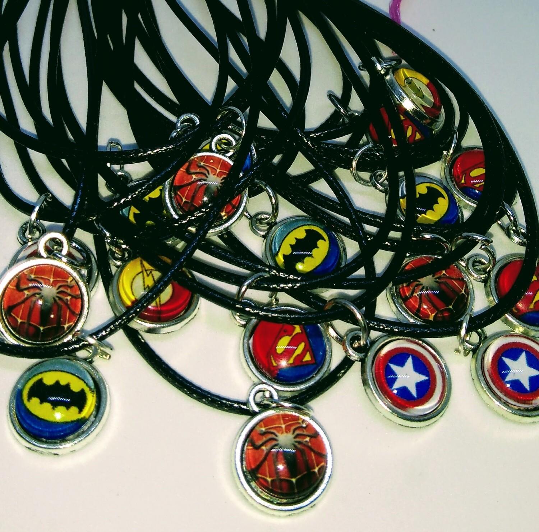 10 Collane a tema Super Eroi Avengers ciondolo cabochon