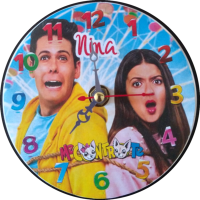10 Orologi personalizzato su CD Me contro Te da muro