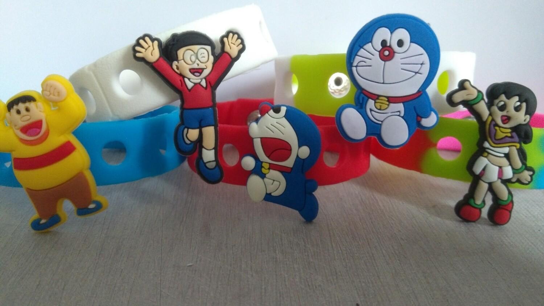 10 Braccialetti personalizzati Doraemon in 3D gomma silicone pvc morbido gadgets fine festa a tema compleanno bambini