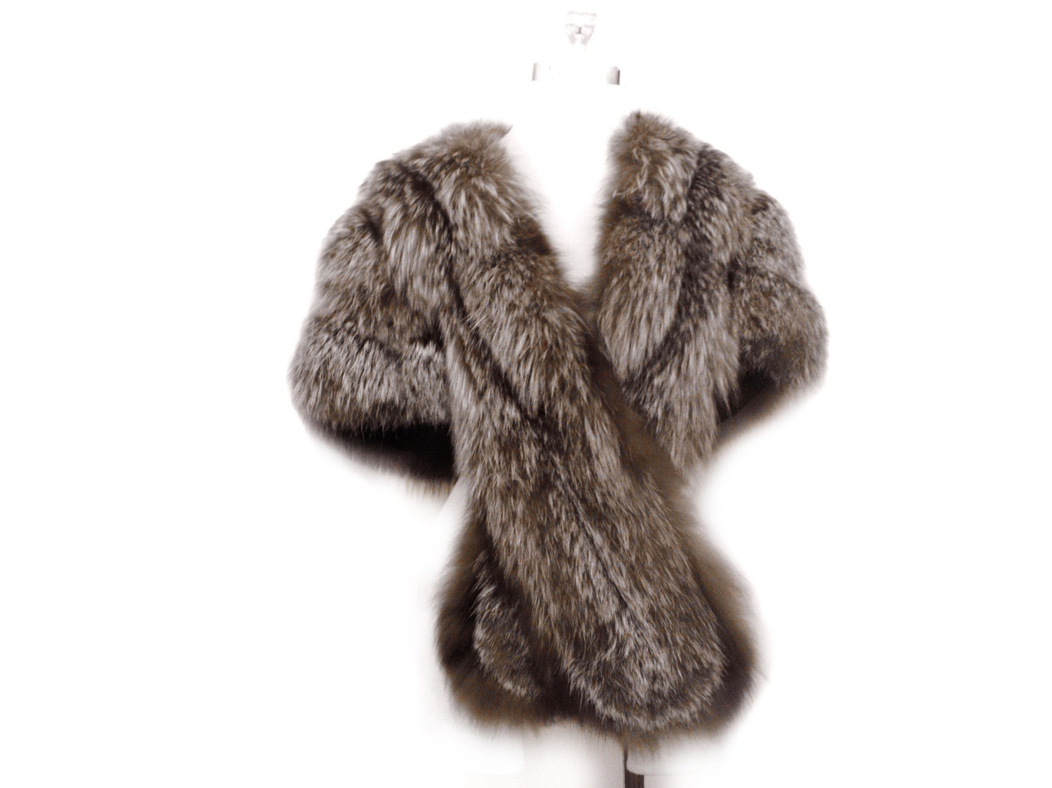 Vintage Luxurious Fox Fur Wrap 70 Inch Hollywood Glam Fur Caplet
