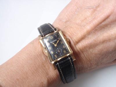 1940s Bulova Dress Watch Scalloped Bezel Extended Lugs