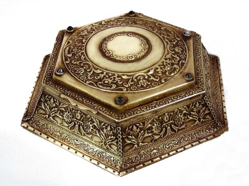 1800's French Ormolu Bronze Repousse Jewelry Casket Trinket Box Glass Stones