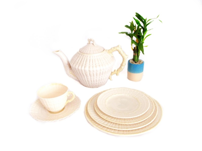 42 pc Belleek Limpet Cabaret Tea Set Teapot CS and Plates