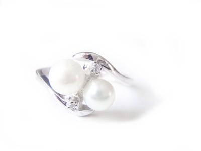 Romany Two Pearl Diamond 14k Ladies Ring Stern NY