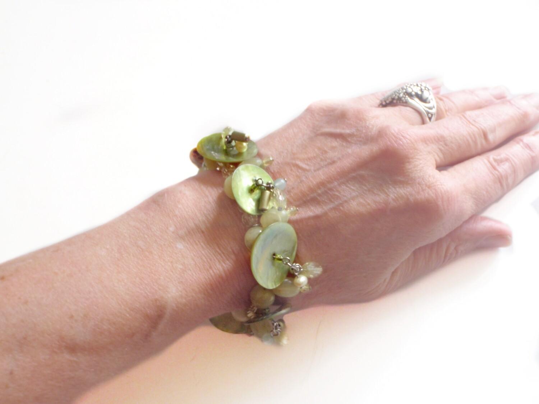 Mother of Pearl Pale Green Bracelet - Summer Dangle Drop