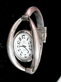 Ladies Hamilton Vintage Wristwatch 900 Sterling Silver Hinged Bangle Bracelet Watch with Exploding Numerals
