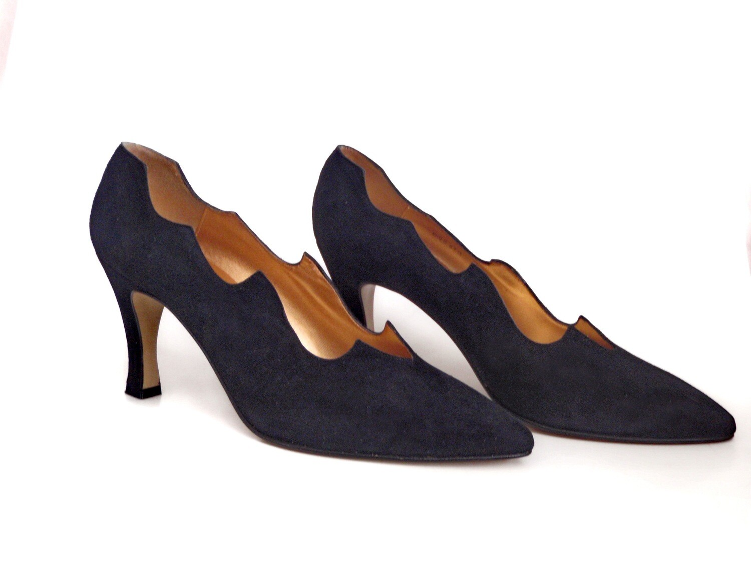 1980s Black Suede Pumps Ladies 9M High Heel Shoes