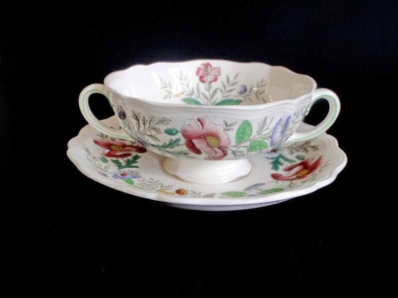 4 Royal Doulton Stratford Soup Bowls Cups with Under Plate