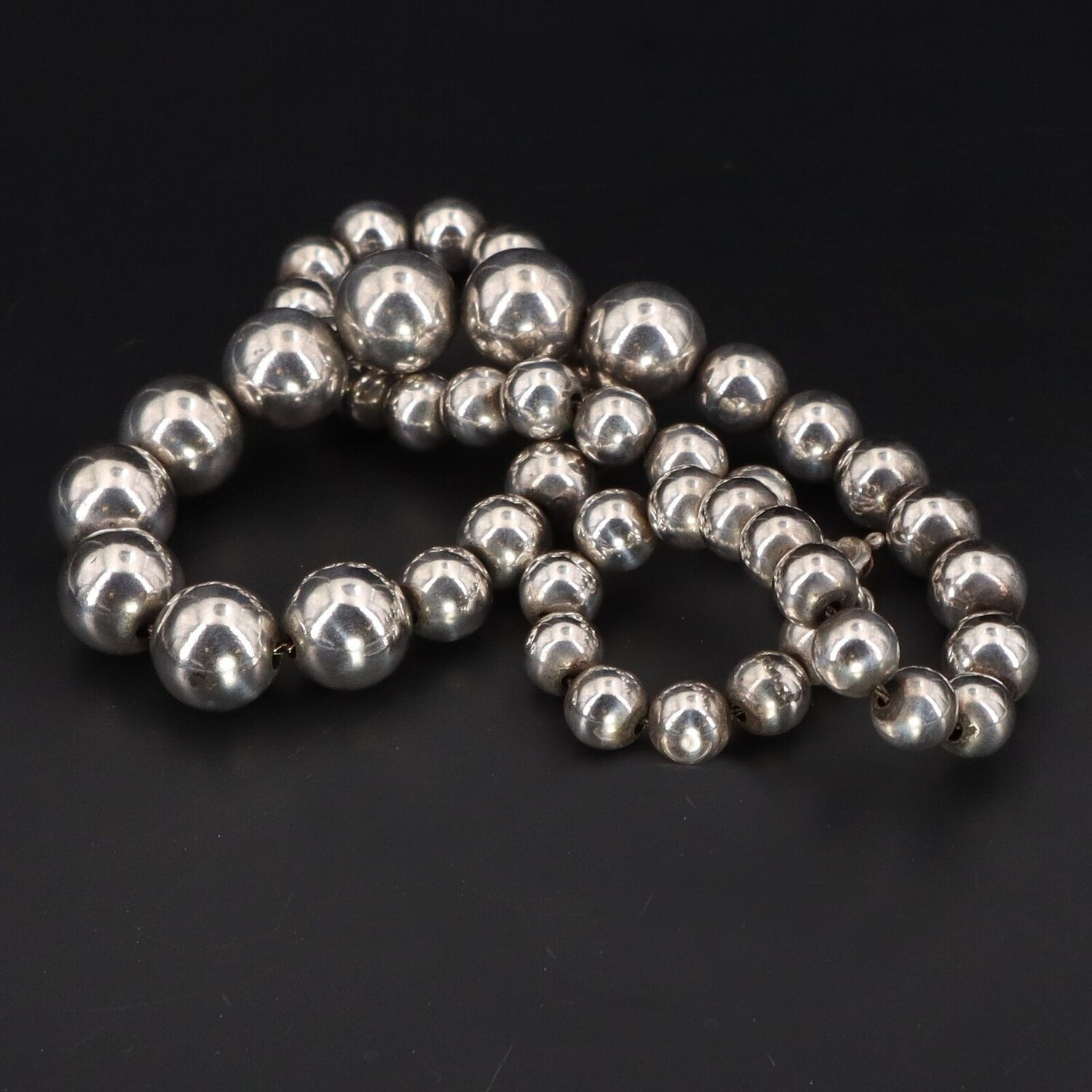 Taxco Silver Bench Bead Graduated 17 Inch Necklace