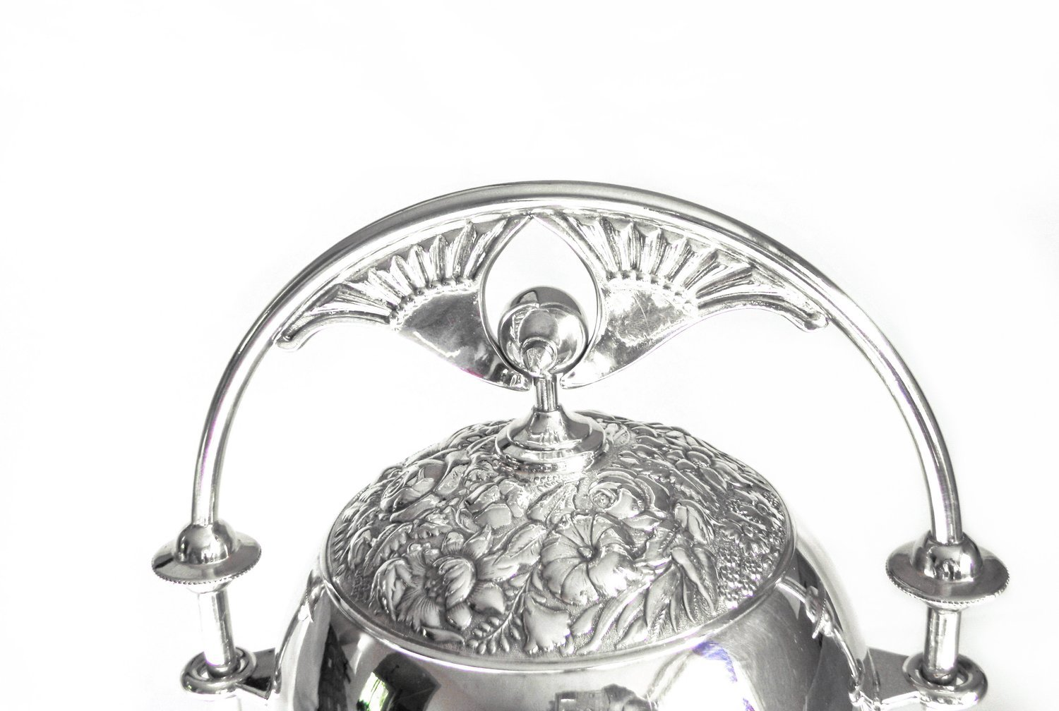 Art Nouveau Meriden Silver Mechanical Butter Dish Repousse Flowers