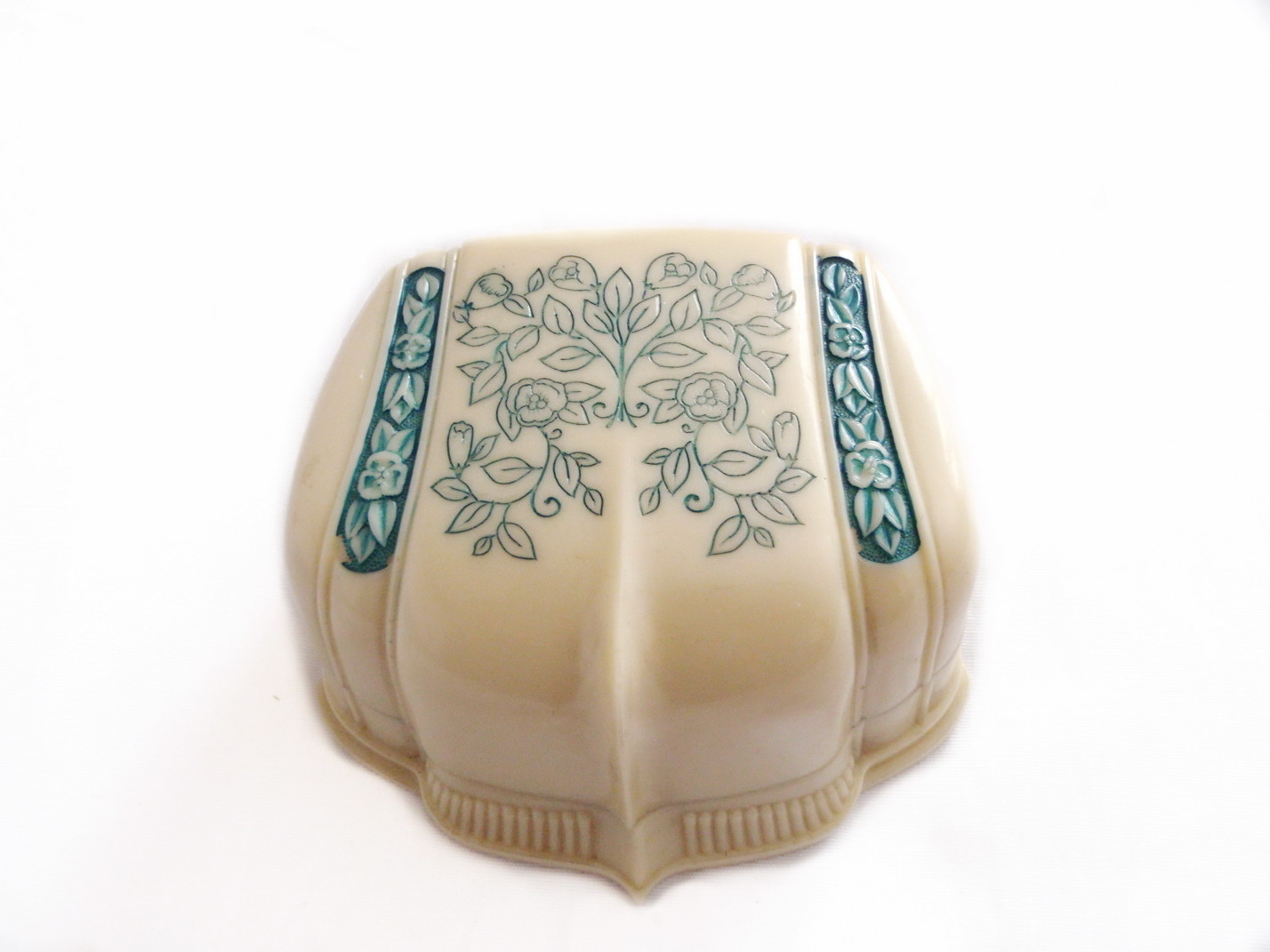 Art Deco Ivory Cellluloid Plastic Double Ring Box