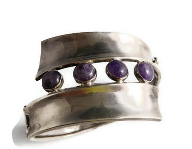 JR Taxco Mexico Sterling Amethyst Cabochon Hinged Cuff Bracelet