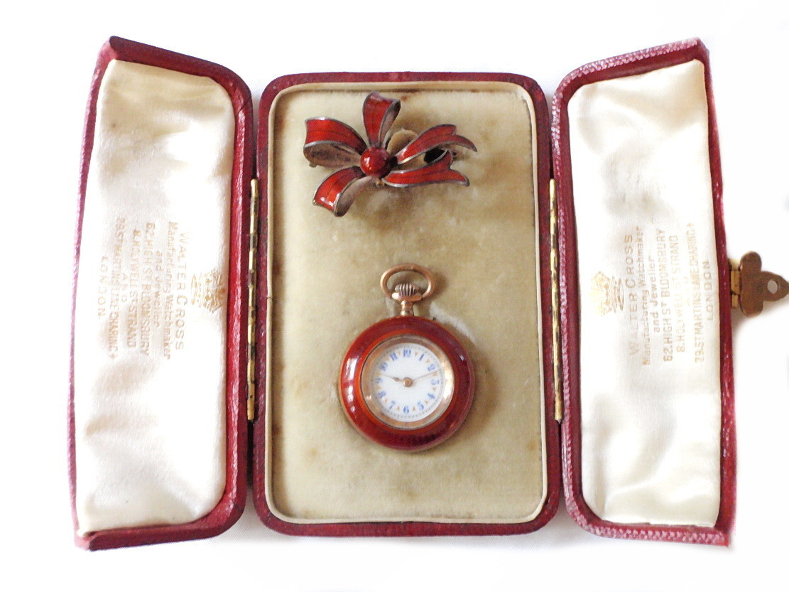 Walter Cross England 1850 Red Enamel Ladies Pocket Watch Bow Brooch