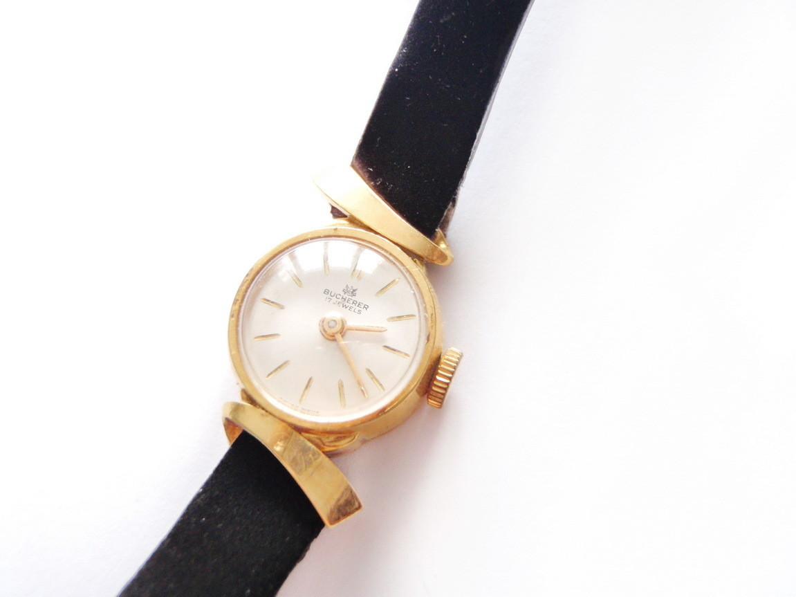 1950's Bucherer Solid 18k Gold Elegant Ladies Wristwatch