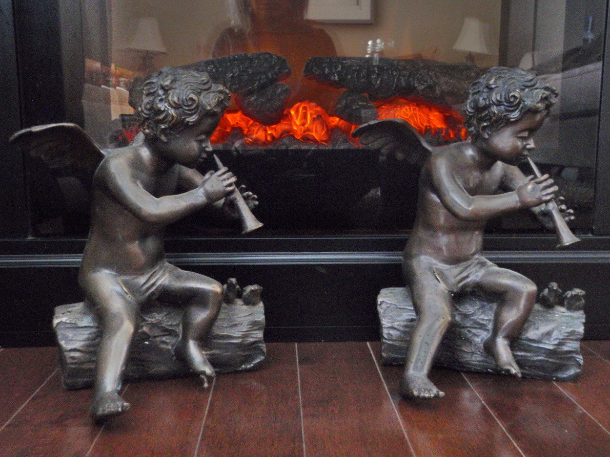 1 Vintage Bronze Cherubim Sculptures for Fireside Fireplace Mantle