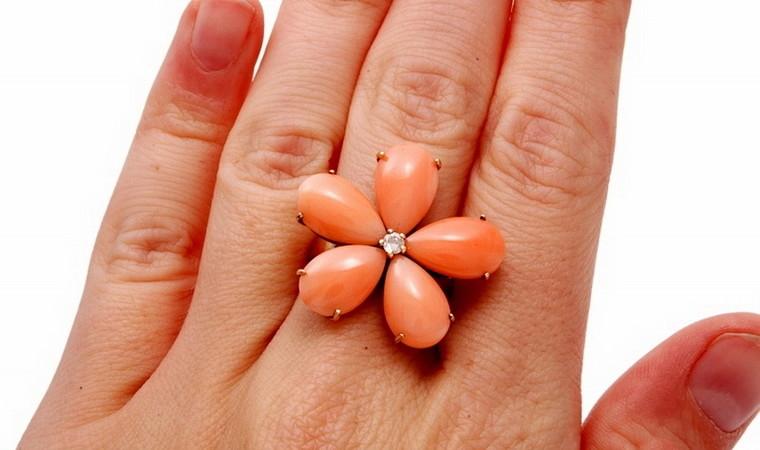 Estate Coral Flower Ring, Center Diamond, 5 Petals 21k Yellow Gold