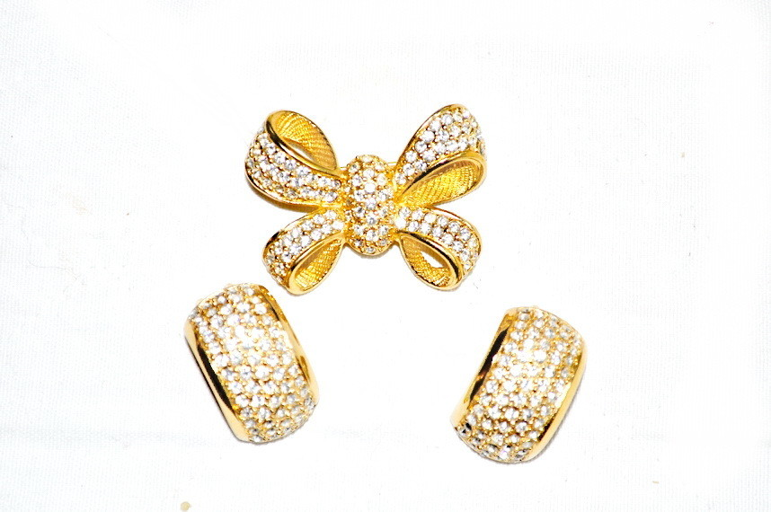 Vintage Christian Dior Bow Swarovski Crystal Brooch Earrings