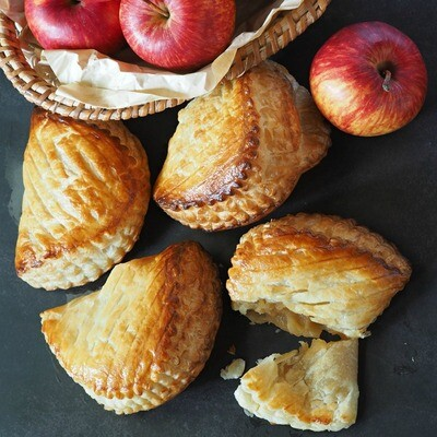 Parisian Apple Turnover (A.O.P Butter) set of 5pcs
