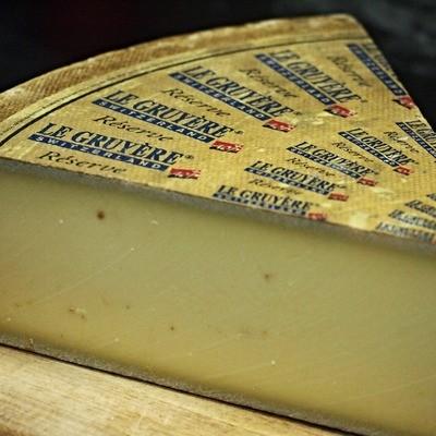 Le Gruyere Cheese per 100gm