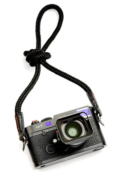 El Capitan Black. Neck Camera Strap