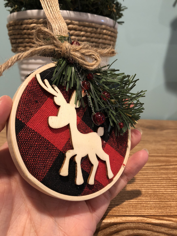 Hoop Reindeer