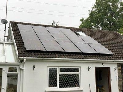 Domestic Solar Panels and Kits