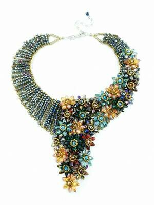 Flowery Experience Fashion Necklace