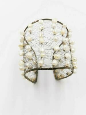Refreshing White Freshwater Pearl Bracelet