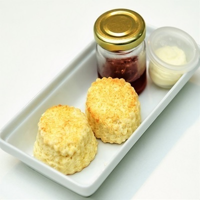 Mini Scones with Cream & Jam (38 pax)