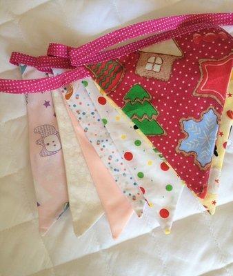 Bandeirinhas Decorativas em Tecido- cordão rosa poá