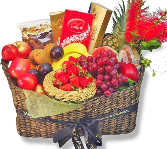 Gourmet Fruit, Nut and Chocolate Hamper