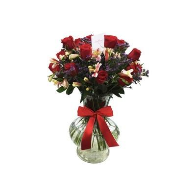 Jarrón de rosas y alstroemerias