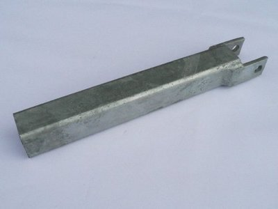 40mm x 40mm x 390mm Post with lugs