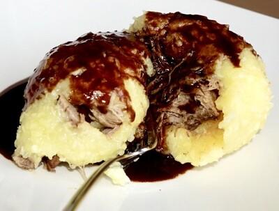 Schmidt's Kloß XXL - 2 Stück (mit gezupftem sächsichen Kalbfleisch gefüllter Kartoffelkloß - zur Abholung, täglich verfügbar!) vegetarische Variante möglich!