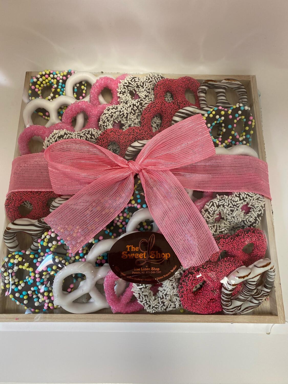 Wood Pink Pretzel Tray