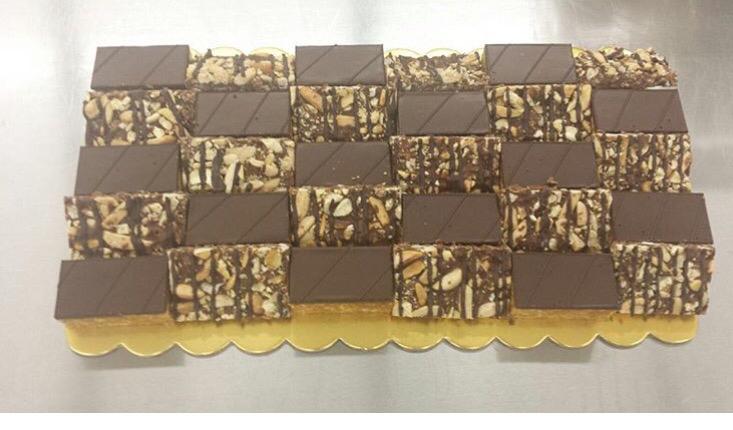 Peanut Chew & Bark 6x11