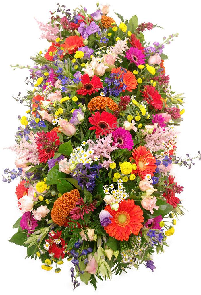 Kistaankleding (bestelnr. MF147) Uitgevoerd in bloemen die in het seizoen verkrijgbaar zijn, afgebeeld 200 cm l
