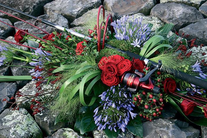 Persoonlijk bloemwerk (bestelnr. MF187) Persoonlijke toevoeging zelf aanleveren Prijs op aanvraag