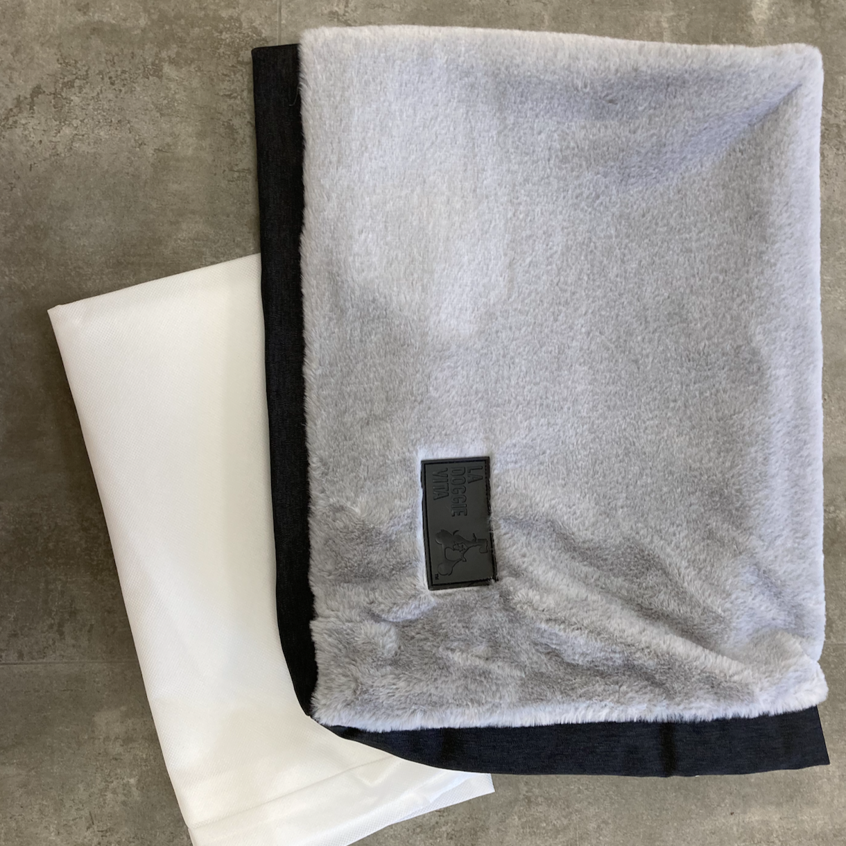 La Doggie Vita Luxe High Flat Bed Cushion Covers