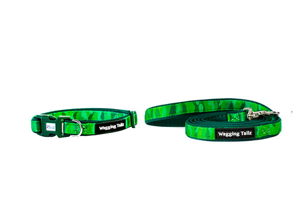 Green Cameo Collar and Lead