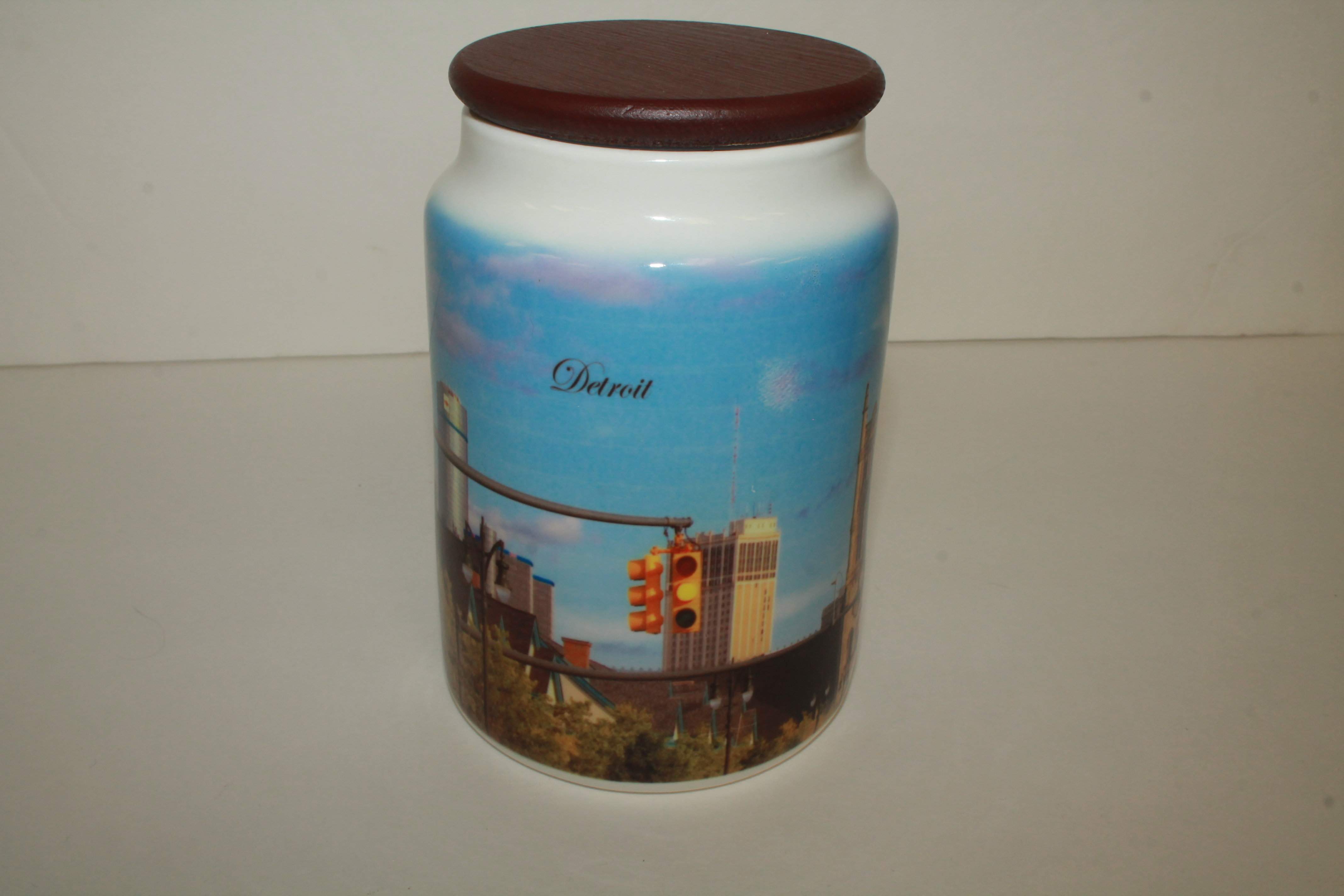 Art Wear Detroit Jar 00031