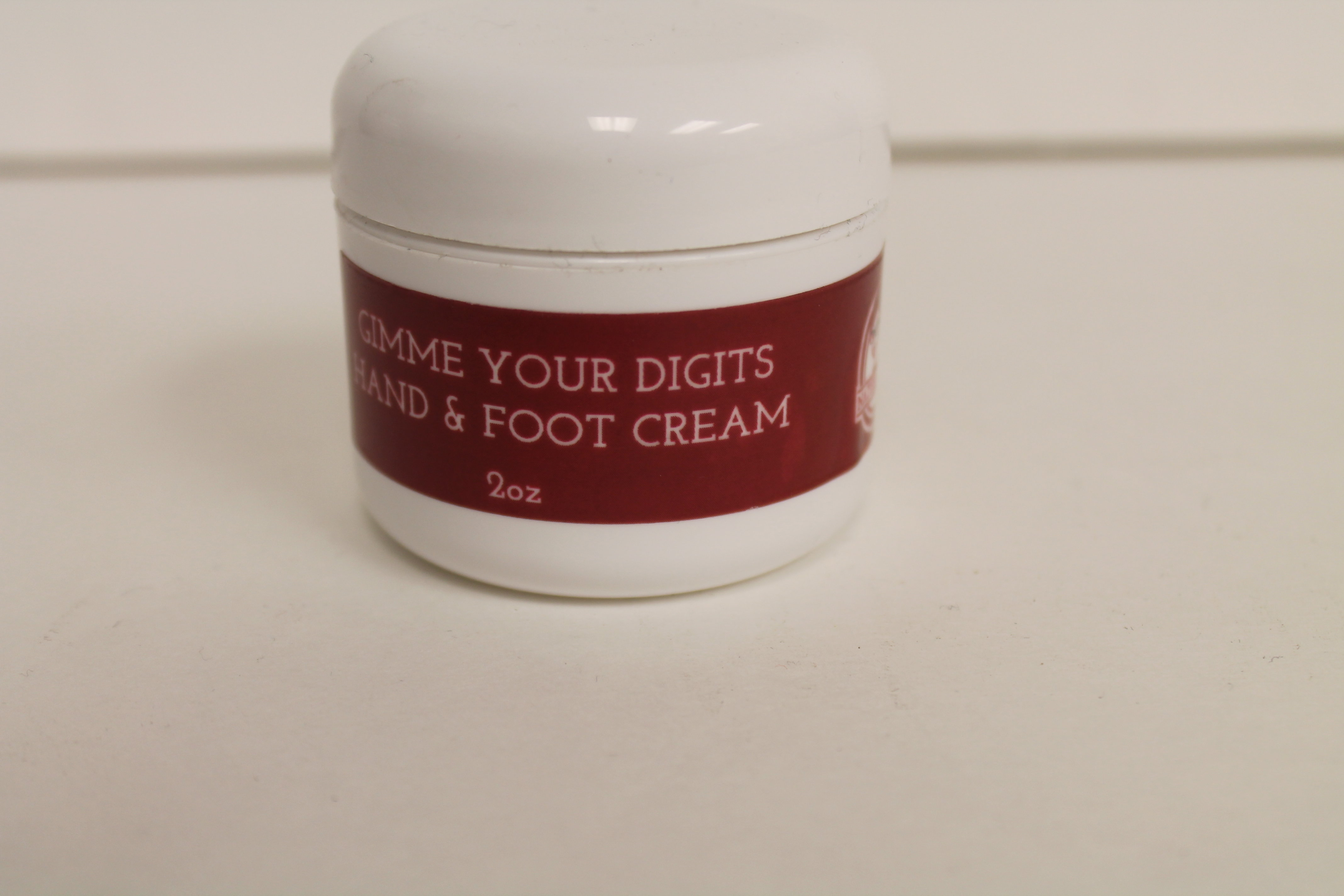 """Natural Red """"Gimme Your Digits"""" hand and foot cream 00209"""