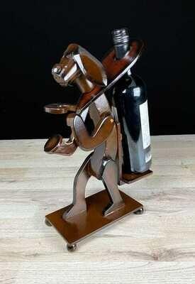 Viinipulloteline koira + 1 lasipaikka