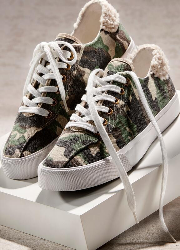 Camo Tennis Shoe