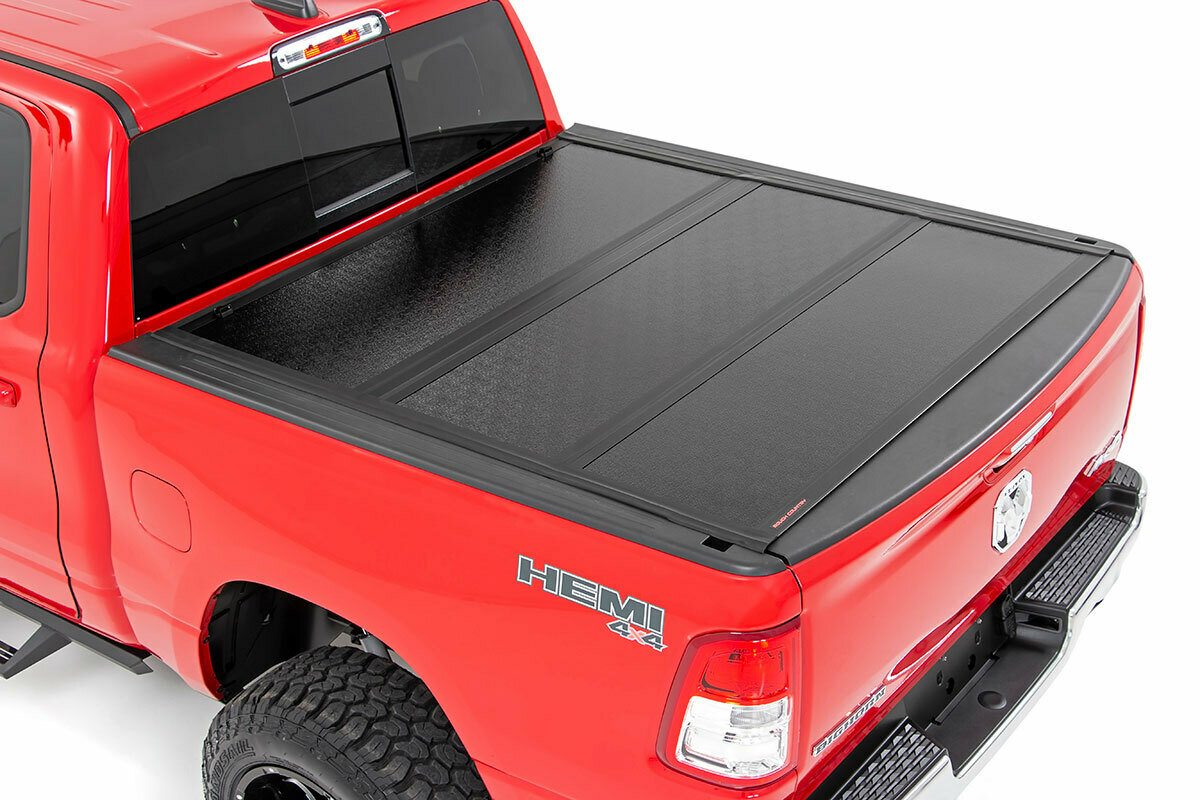 Dodge Low Profile Hard Tri-Fold Tonneau Cover (19-20 Ram 1500 Quad/Mega Cab | 5.7ft; Bed W/O Rambox)