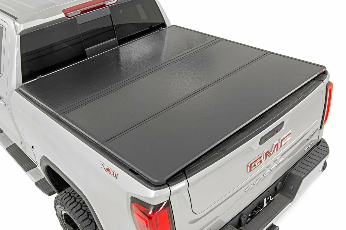 """GM Hard Tri-Fold Bed Cover (15-19 Chevy/GMC 2500/3500 - 6' 5"""" Bed)"""